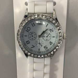 Accessories - Fashion women's watch white crystal silver